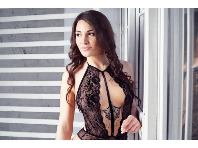 What To Wear When Going For A Hot Female Escorts Girl